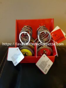 Porte-clef Ferrari avec support